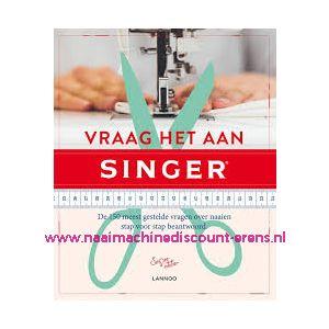 """011901 / Naaiboek """"Vraag het aan Singer"""""""
