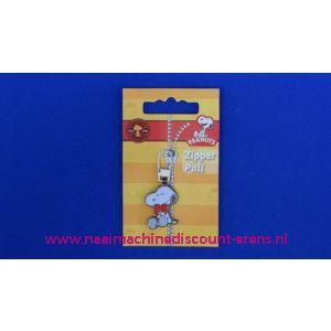002485 / PEANUTS SNOOPY zipper pull